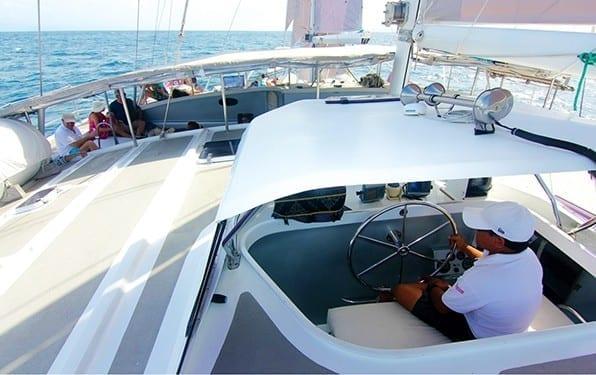 Kapten Kapal Aneecha Katamaran Bali