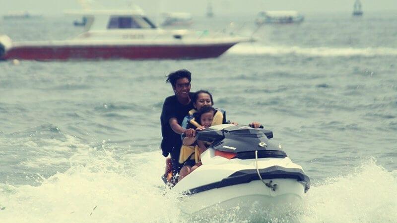 Aktifitas Wisata Anak Di Bali Jet_Ski_Tanjung