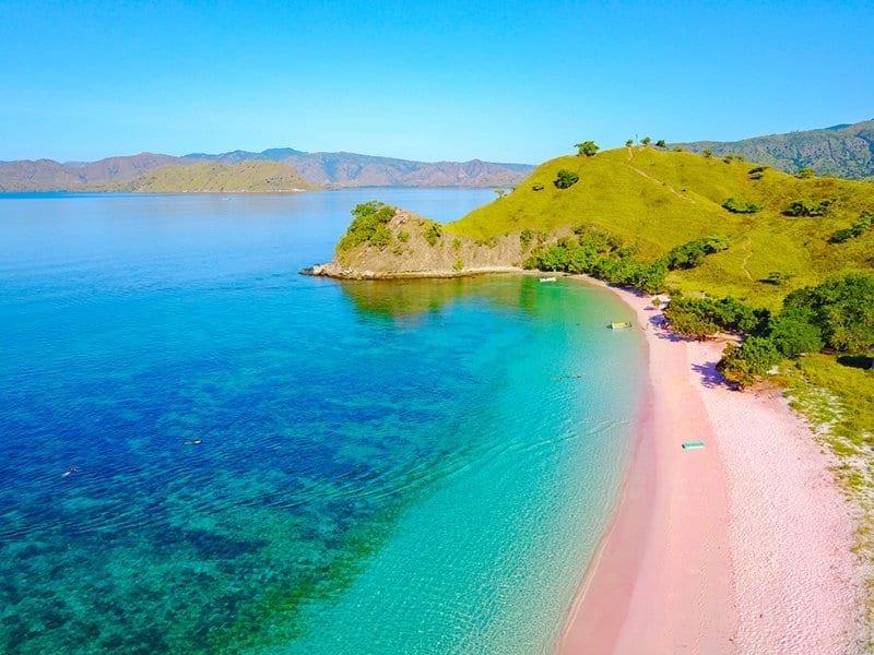Pink-Beach-Komodo-Island