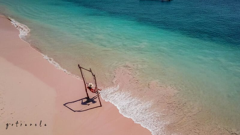 Pink beach Pantai Favorit Di Lombok