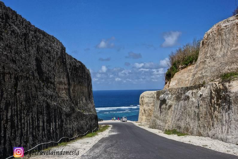 Tebing Batu Kapur Pantai Pandawa