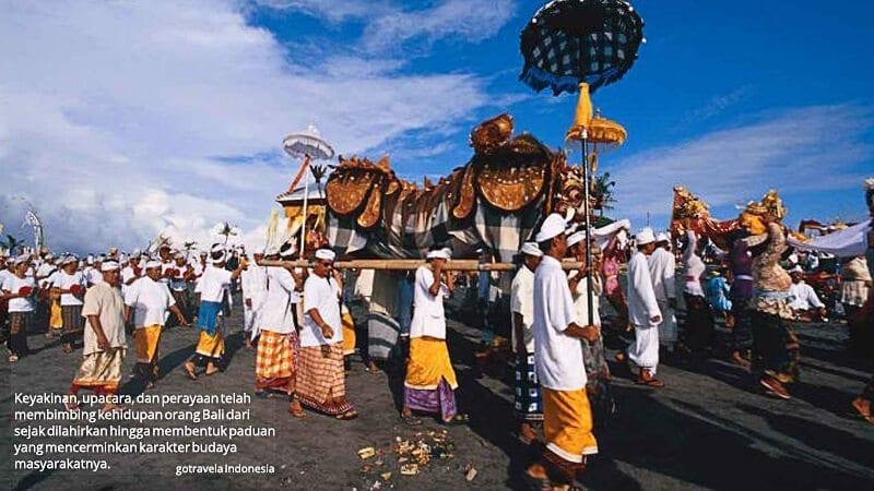 Upacara Ke Agama-an Hindu Bali