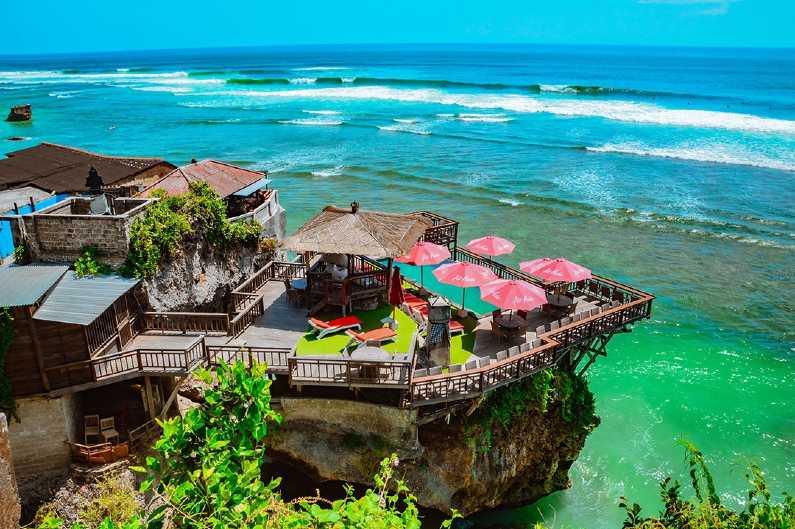 Wisata Pantai Blue Ocean
